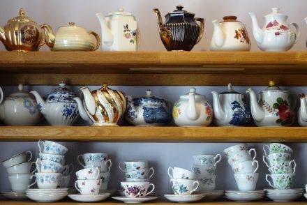mrsknotts - teapots